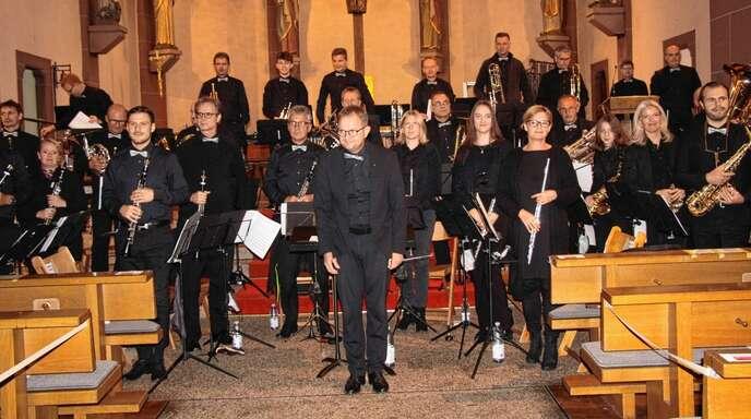 Mit einem Kirchenkonzert feierte die Stadtkapelle Oberkirch ihre Rückkehr nach der Corona-Pause. Dirigent Zeno Peters feierte sein 20-Jähriges.