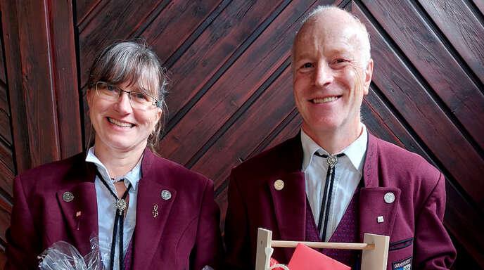 Nach 20 Jahren Mitarbeit im Vorstand wurde Mathias Lehmann verabschiedet, acht Jahre war Bettina Lehmann Schriftführerin.