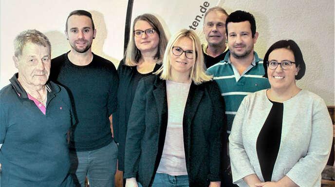 Der Vorstand des Skiclubs Berghaupten (von links): Siggi Gmeiner, Manuel Schappacher, Nadja Aderneuer, Ute Feger, Hebbe Lehmann, Michael Zapf und Carolin Bischler. Es fehlen: Mathias Idelhauser und Heike Kern.