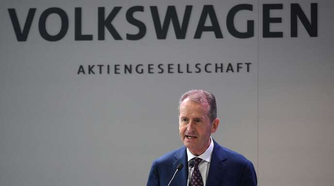 VW-Chef Herbert Diess droht mit großem Stellenabbau