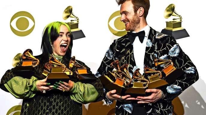 Abräumer: Billie Eilish (l) und ihr Bruder Finneas O'Connell bei der Verleihung der Grammy Awards im Januar 2020