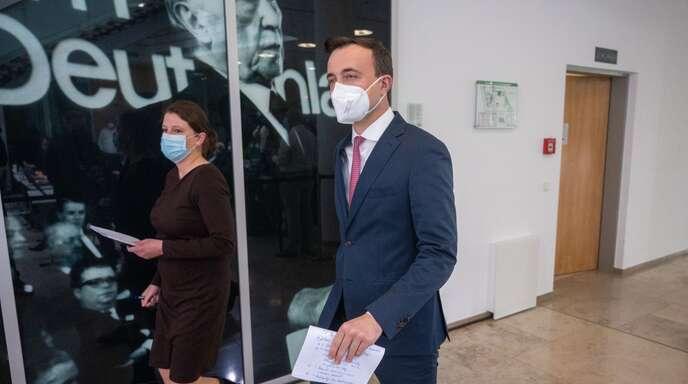 """""""Brutal offen"""", so Generalsekretär Paul Ziemiak (rechts), soll nun in verschiedenen Runden über die Fehler gesprochen werden"""