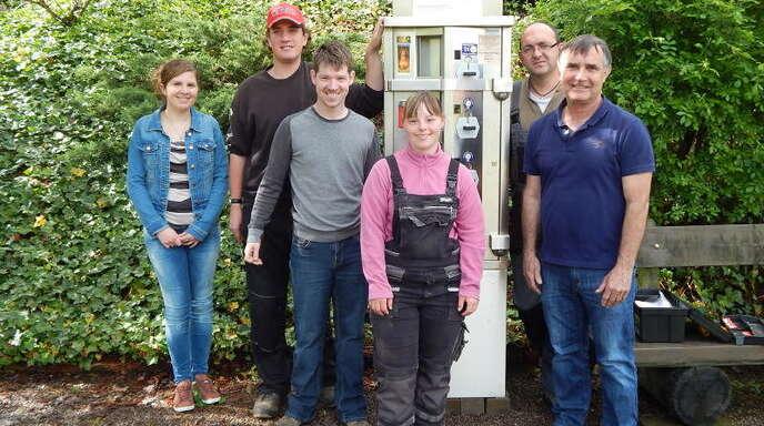 Von links: Anna Karcher von der Gemeindeverwaltung sowie das Schollenhof-Team mit Thorsten Grimmig, Niklas Dilger, Katharina Rheinschmidt, Markus Messing und Otto Grimmig.