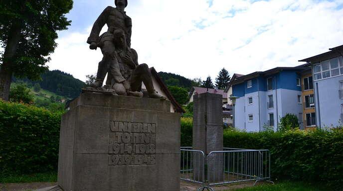 Der Oberkircher Steinbildhauermeister Michael Huber soll das Kriegerdenkmal in Oppenau renovieren und an geeigneter Stelle wiederaufbauen.