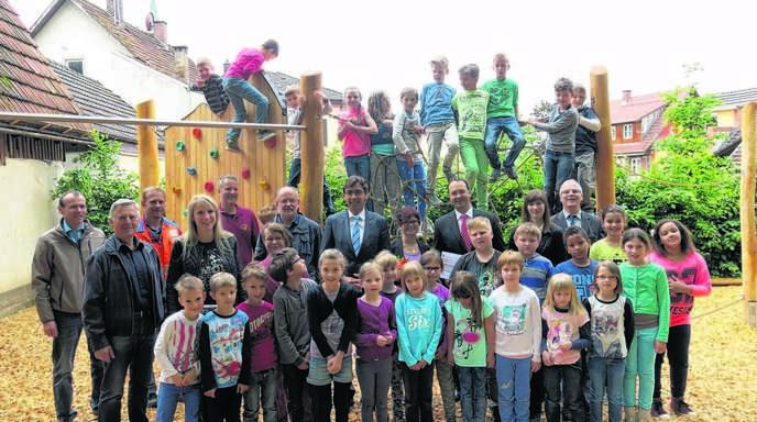 Klettergerüst Für Kleinkinder : Achern oberkirch pausenspaß für die aurainschüler nachrichten der