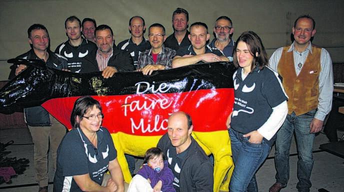 Kreisteamleiter Stefan Lehmann (Oberharmersbach, ganz rechts) und das neue Vorstandsteam des Kreisverbandes der Milchviehzüchter.