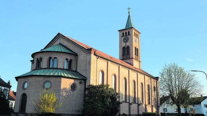 Die 1730 erbaute Pfarrkirche St. Michael mit ihren gut erhaltenen Kirchenbüchern gibt Aufschluss über die geläufigsten Familiennamen in dem katholisch geprägten Dorf im weitgehend evangelischen Hanauerland.