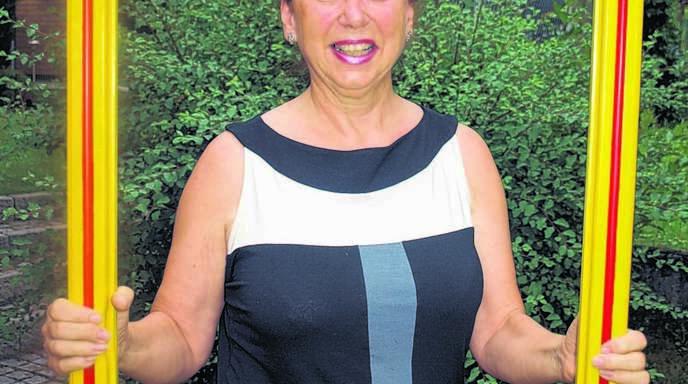 Elke Hertenstein (63) ist stolz auf ihren Sohn Marco, der das Jubiläumslied komponiert hat.