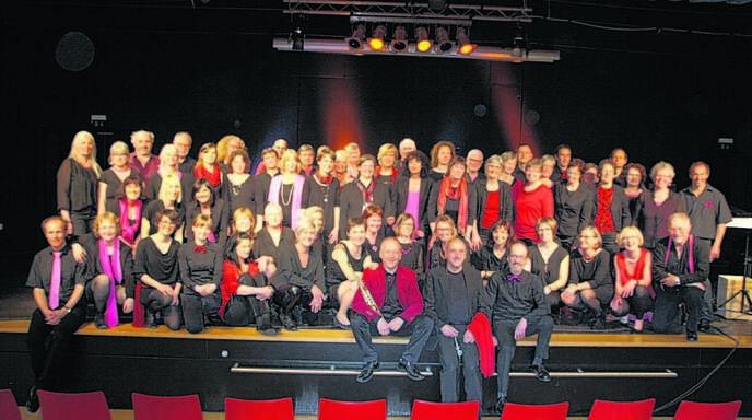 Mit »Vocal-Jazz-Affair« vom Bodensee und dem Jazz-Chor der Stimmwerkstatt Oberkirch erlebten die Zuschauer im HFG-Forum einen begeisternden Konzertabend.