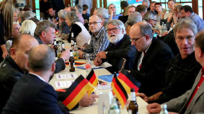 Beim AfD-Bundestagswahlkampfauftakt waren am Donnerstagabend in Friesenheim knapp 350 Besucher.