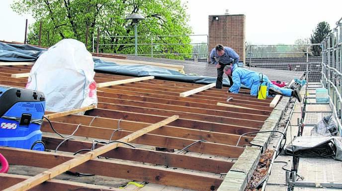achern oberkirch rheinau diersheim asbest im dach erfordert besondere vorkehrungen nachrichten. Black Bedroom Furniture Sets. Home Design Ideas