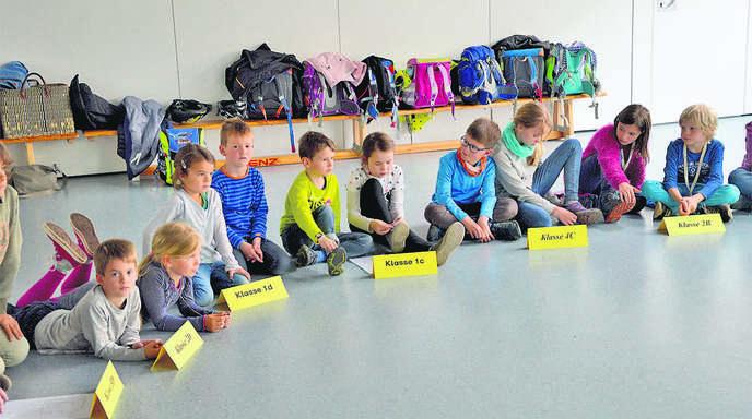 Schülerrat in der Johann-Wölfflin-Schule: Je zwei Grundschüler pro Klasse diskutieren, was die Schule noch besser machen könnte.