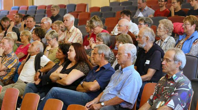 Die Podiumsdiskussion am Mittwoch in der Offenburger Waldorfschule war nicht so gut besucht. Sieben Politiker aus der Region diskutierten über Fluchtursachen.