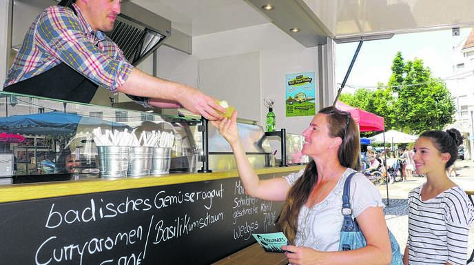 Jenseits von Hotdog und Pizza: Gourmet-Koch Patrick Kroll aus Baden-Baden ist neu auf dem Acherner Wochenmarkt.