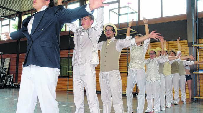 Millionäre und Mafiosi spielen beim Musical des Jungen Chors große Rollen.