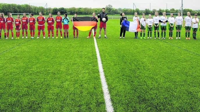 Fussball Verbindet Uber Die Grenzen Baden Online