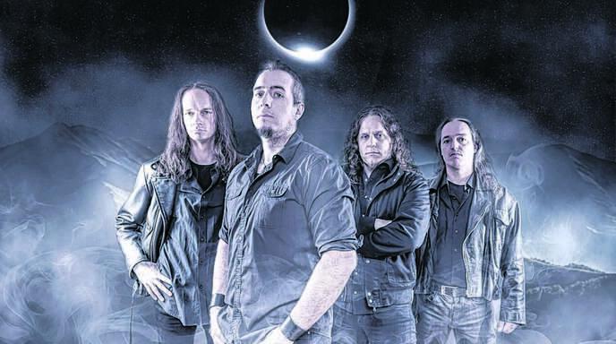 Matthias Graf aus Willstätt-Legelshurst (im Vordergrund) ist der musikalische Kopf der Band Evertale.