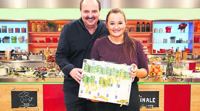 Offenburg Biberacherin Gewinnt Jahresfinale Der Zdf Kuchenschlacht