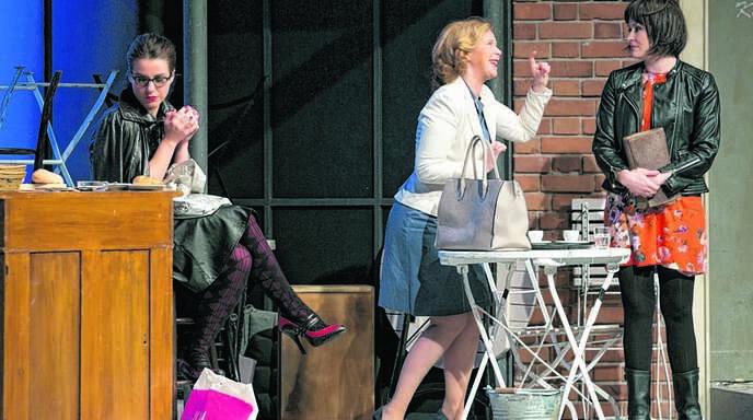 Zicken unter sich: Lene Wink als Lulu (von links), Marion Kracht als Helene und Judith Hoersch als Gabriele.