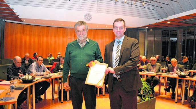 Lahr Joseph Hugelmann Fur 30 Jahre Als Gemeinderat Geehrt