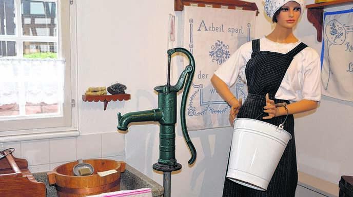 Früher hatte man zur Spüle aus Stein einen Brunnen in der Küche. Das und vieles mehr zeigt das Museum Rheinau in der Freistetter Hauptstraße.