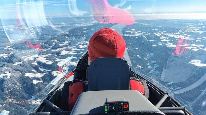 Starker Nordostwind und Väterchen Frost ermöglichen Traumflüge Im Segelflugzeug bis 3650 Meter Flughöhe.