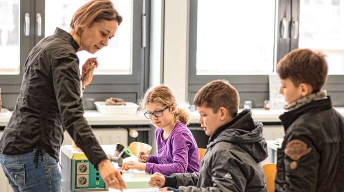 In den Lernalltag reinschnuppern durften die jungen Besucher in den Fachräumen der Acherner Realschule beim Tag der offenen Tür.