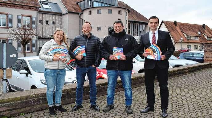 Stellten das Programm zu »Friesenheim bewegt« vor (von links): Wirtschaftsförderin Julia Edel, Stefan Bayer, Jörg Lauer und Bürgermeister Erik Weide.