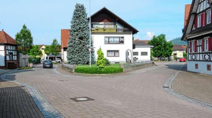 Die Kreuzung Rösslegasse/Engelgasse in Friesenheim verliert ihr Pflaster. Der Bereich wird wieder asphaltiert.