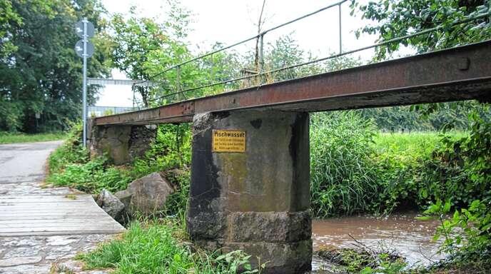 Der Ortschaftsrat Zusenhofen beschloss den Abriss der maroden Altensteg-Brücke.