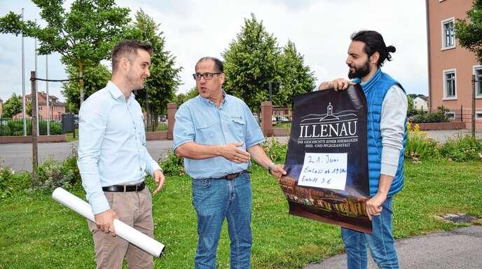 Freuen sich auf einen Sommerkino-Abend mit der Illenau-Dokumentation im Stadtgarten am 21. Juni: (von links) Frank König, Andreas Koch von »Achern aktiv« und Emre Özlü.