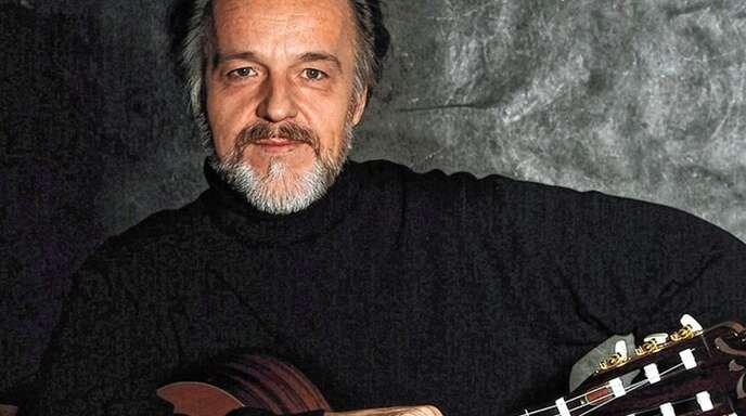 Roberto Legnani kommt mit seiner Gitarre nach Heiligenzell.