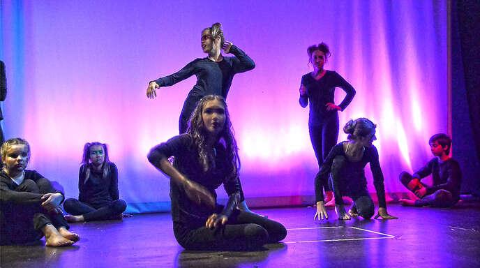 Viel Applaus erhielt die Theaterwerkstatt des HFG für die Inszenierung der Erzählung »Der kleine Prinz«.