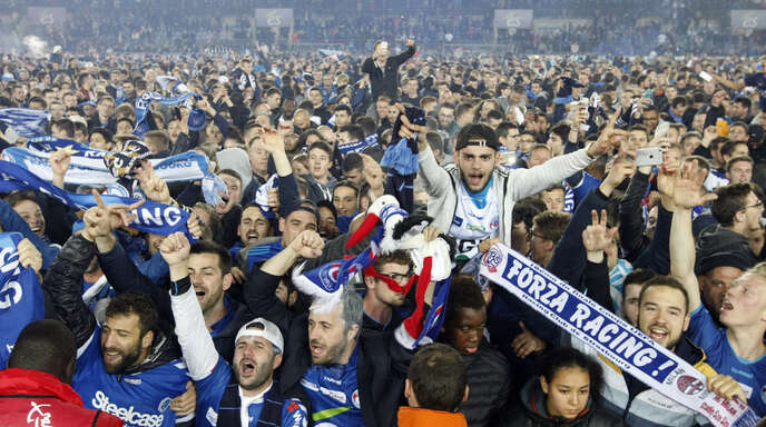 Die Fans haben Racing gerettet: Am Freitagabend waren sie endlich am Ziel und nach neun Jahren zurück in Frankreichs höchster Spielklasse.
