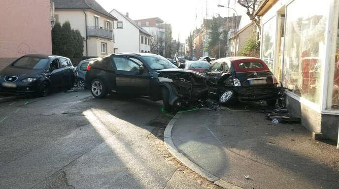 Offenburg Autounfall in Offenburg: Frau schwer verletzt, Hund ...