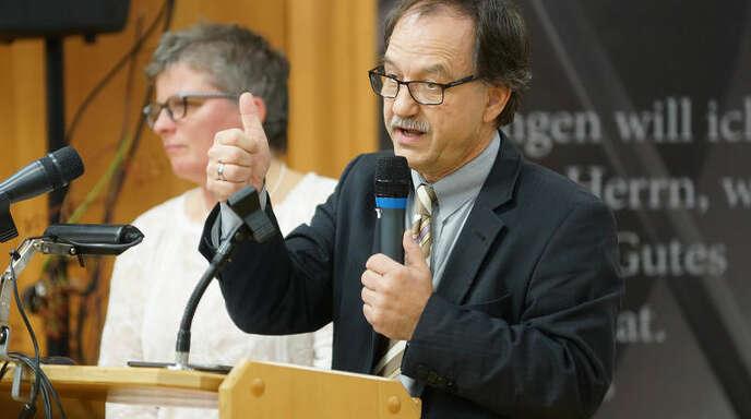 Blickten auf 20 Jahre Freie Evangelische Schule Lahr zurück: Brigitte Maurer vom Trägerverein und der Schulleiter Walter Rudolph.