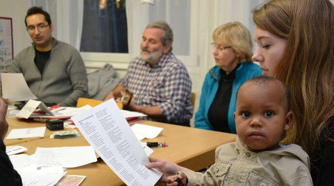 Der Freundeskreis leistet einen wichtigen Beitrag zur Integration der Neubürger. Heimfried Furrer (Zweiter von links) ist einer der Initiatoren.