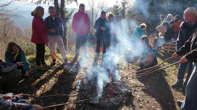Lahr Wanderer begrüßen neues Jahr im Forst Nachrichten der Ortenau ...