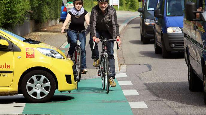 Blockierte Radwege in Offenburg sind nur ein Ärgernis von vielen, wie der Fahrradklima-Test das ADFC dokumentiert. Mit der Durchschnittsnote 3,4 schneidet die Stadt deutlich schlechter ab als noch vor zwei Jahren. 2006 war die Stadt gar noch landesweit spitze.