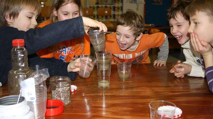 Spannende Experimente und Wissen rund um Naturwissenschaften und Technik erwarten motivierte und begabte Kinder in der Hector-Kinderakademie. Im neuen Schuljahr soll eine Außenstelle in der Nußbacher Krongutschule eingerichtet werden.
