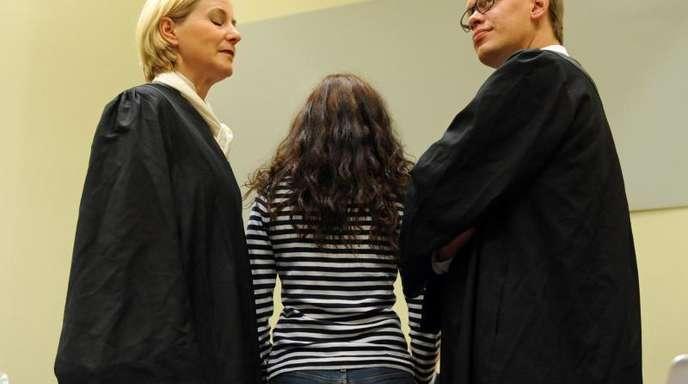 Die Angeklagte Beate Zschäpe mit ihren Anwälten Anja Sturm und Wolfgang Heer.