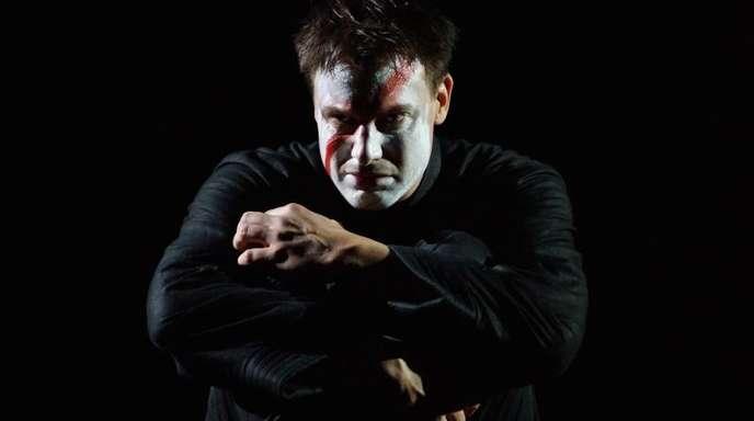 Pavel ernoch ist Hamlet.