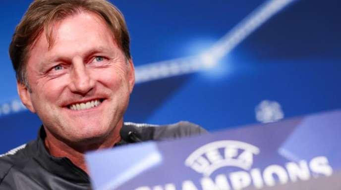 Leipzigs Cheftrainer Ralph Hasenhüttl freut sich auf die Königsklasse.