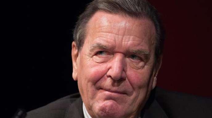 Das exzellente Verhältnis zwischen Altkanzler Schröder undErdogan scheint von allen aktuellen Verwerfungen in den deutsch-türkischen Beziehungen unberührt geblieben zu sein.