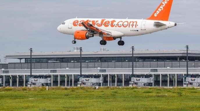Easyjet bedient vier der wichtigsten innerdeutschen Strecken, auf denen seit Oktober die Konkurrenz der Air Berlin fehlt.