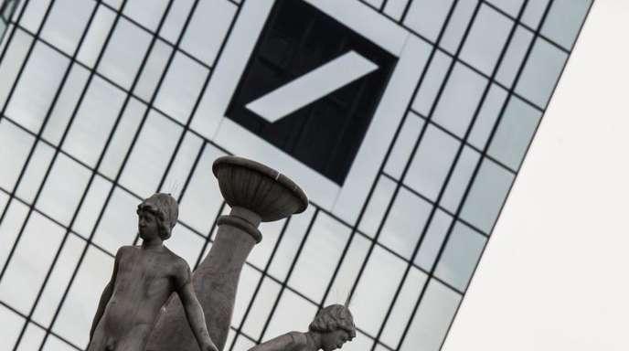 Dem Deutschen Bank-Experten zufolge haben vor allem die Besserverdienenden von der Antikrisen-Politik großer Notenbanken profitiert.