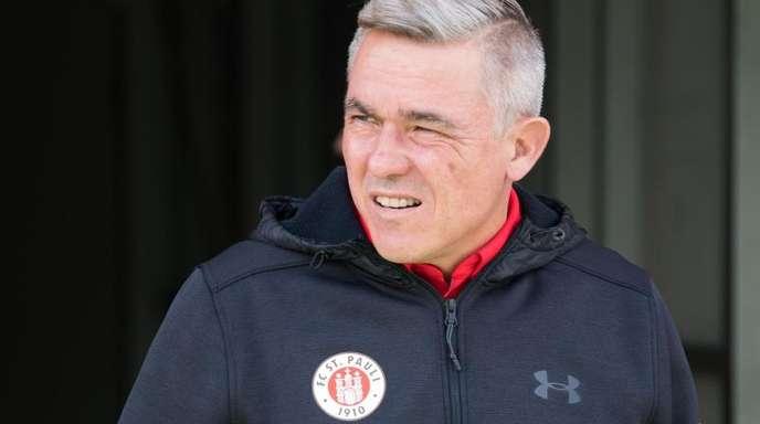 Der FC St. Pauli trennt sich von Trainer Olaf Janßen.