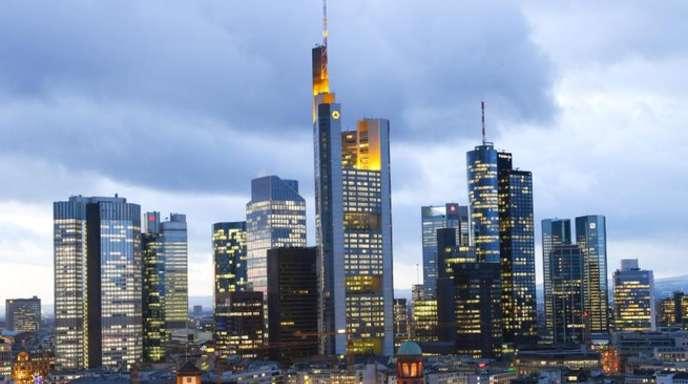 Blick auf das Bankenviertel in Frankfurt am Main.