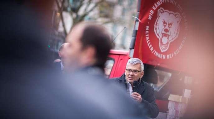 Protest in Berlin gegen Entlassungen bei Siemens.