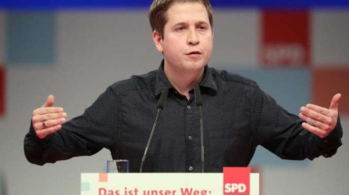Juso-Chef Kevin Kühnert beim SPD-Parteitag am Rednerpult.